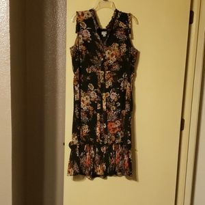 Moody, dark floral midi dress